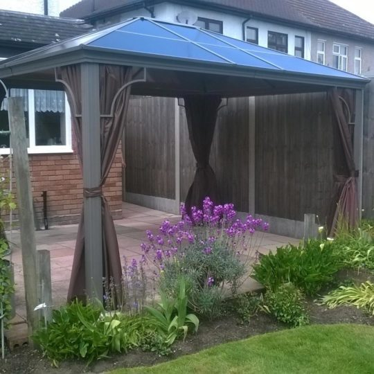 Kensington 3x3m Gazebo with Polycarbonate Roof