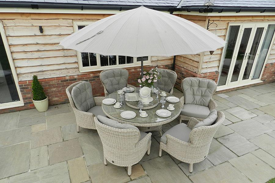 4 Seasons Outdoor Buckingham 6-Seater Dining Set