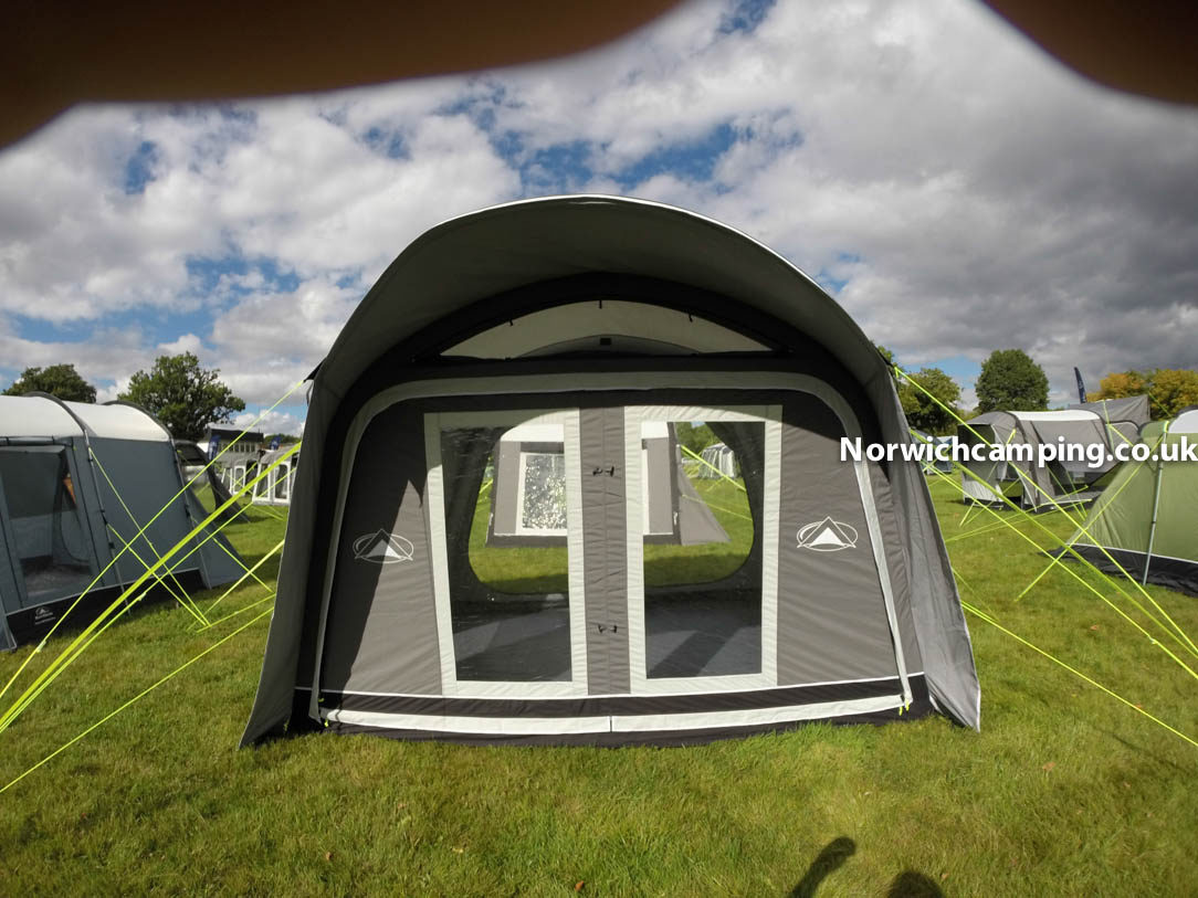 Sunncamp Tourer 335 air plus awning (2).jpg