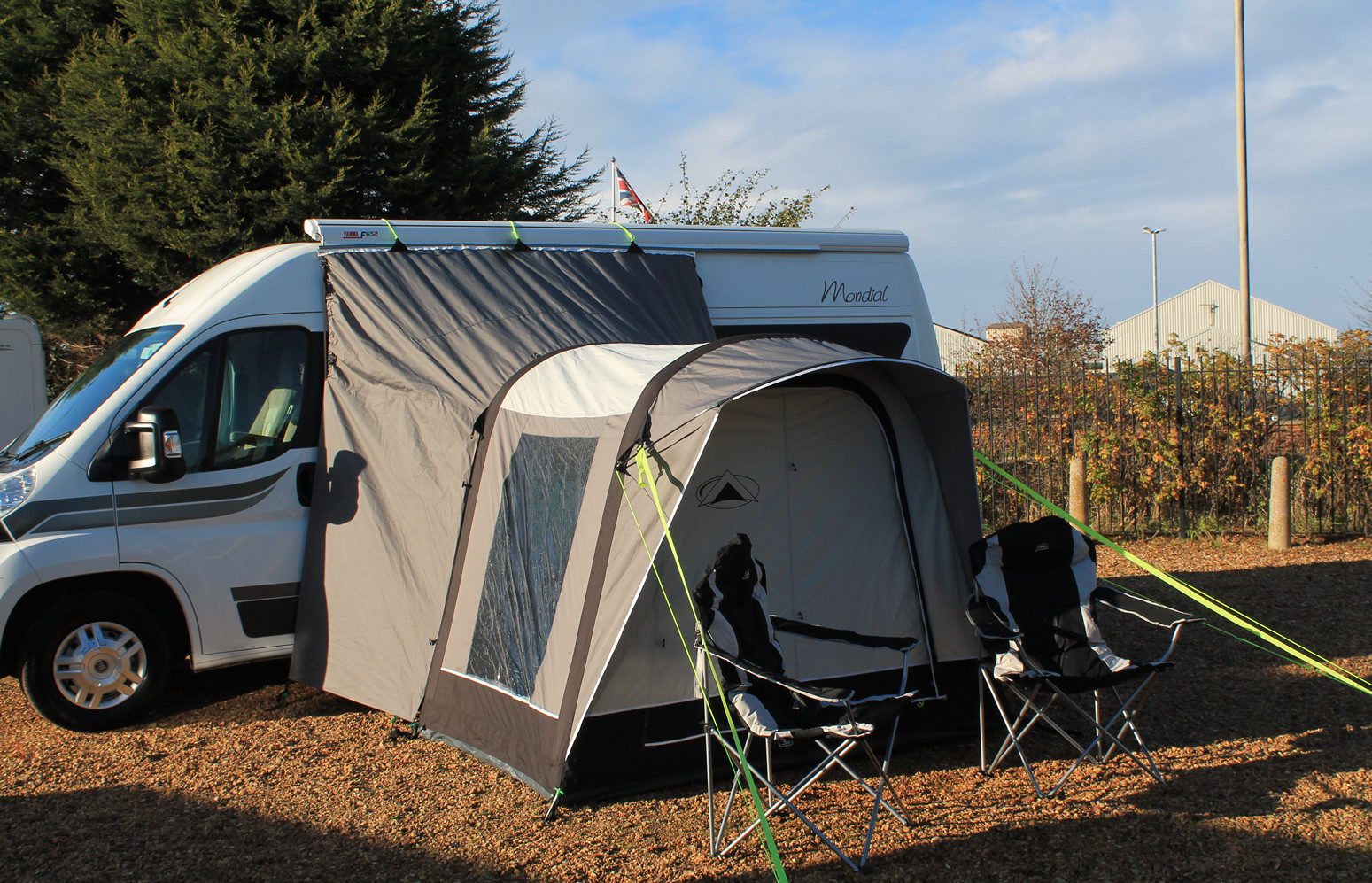 Sunncamp Silhouette Air 225 drive away awning