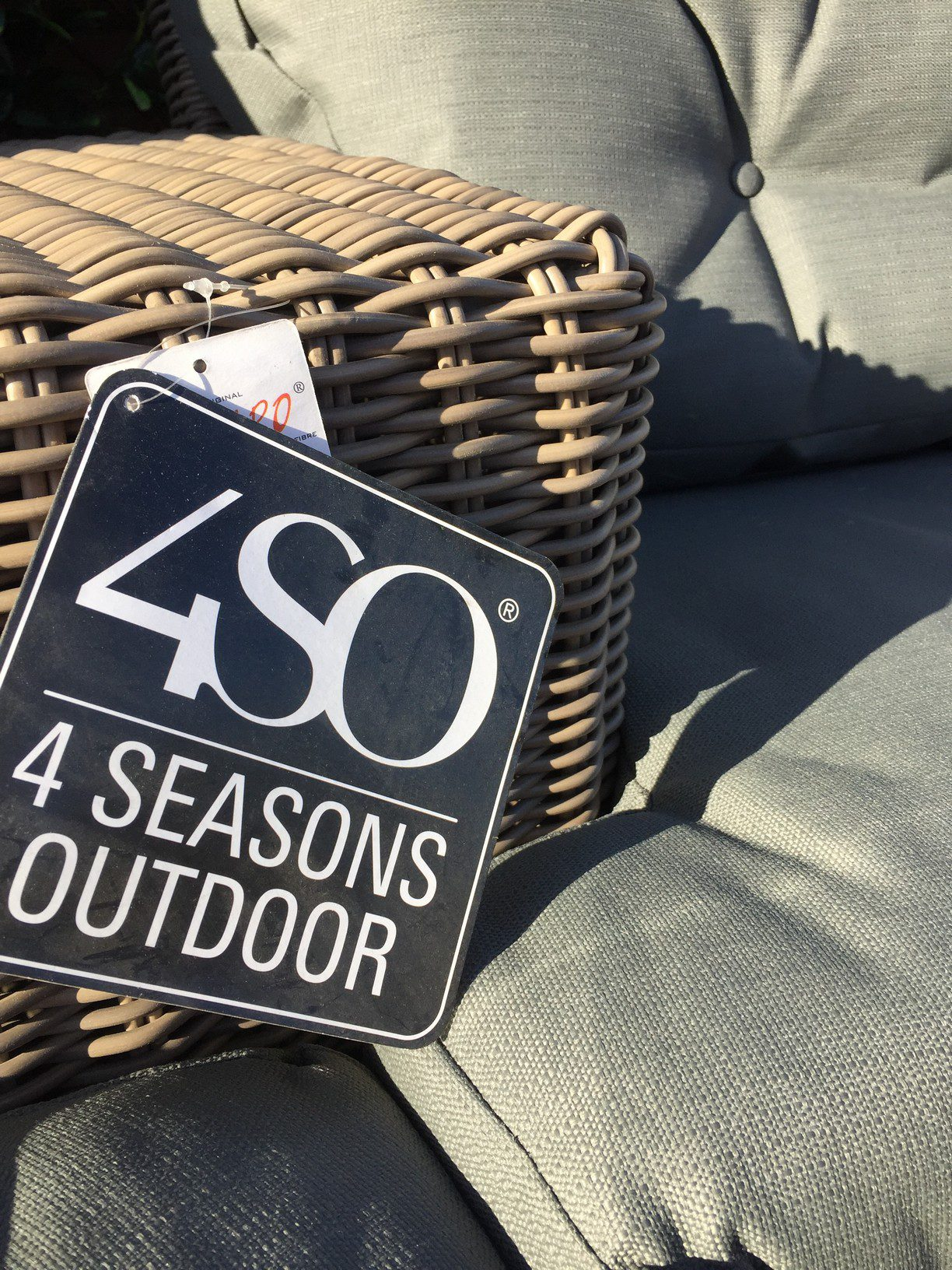 4 Seasons Outdoor Valentine Love Seat With Footrest 10