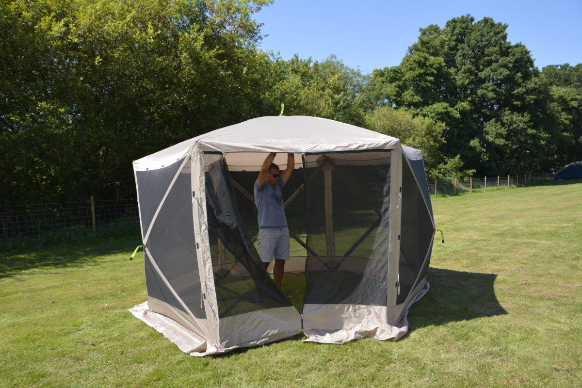 Pop Up Shelter 021