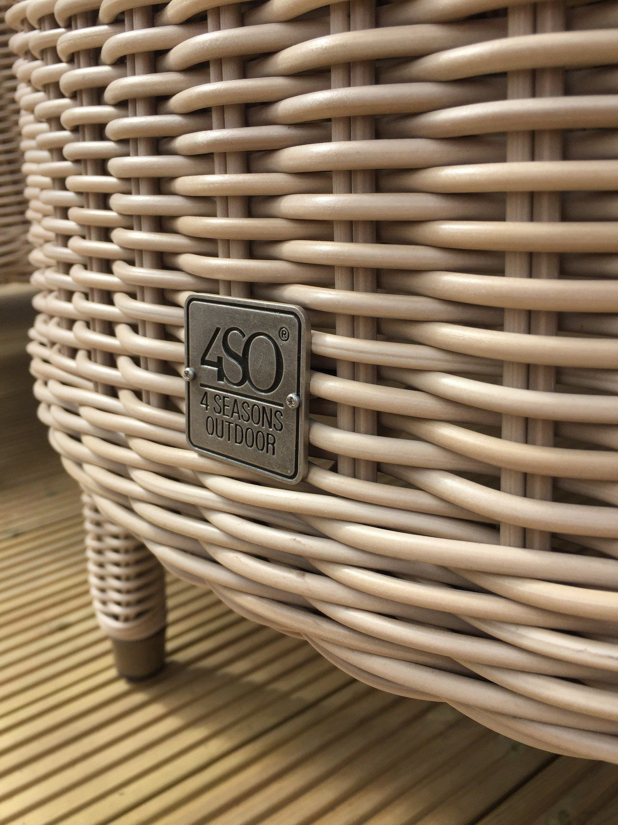 4 Seasons Outdoor Buckingham 8 Seat Oval Set Praia Weave 13