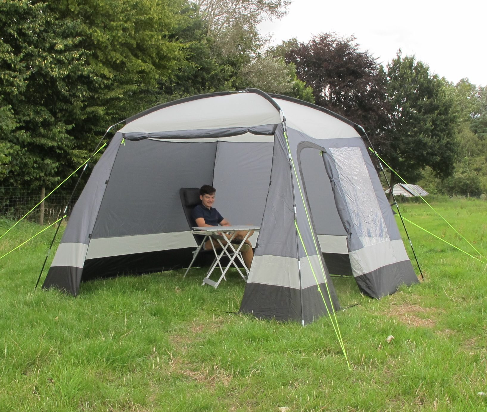 Day Tents & The 3 Day Tents