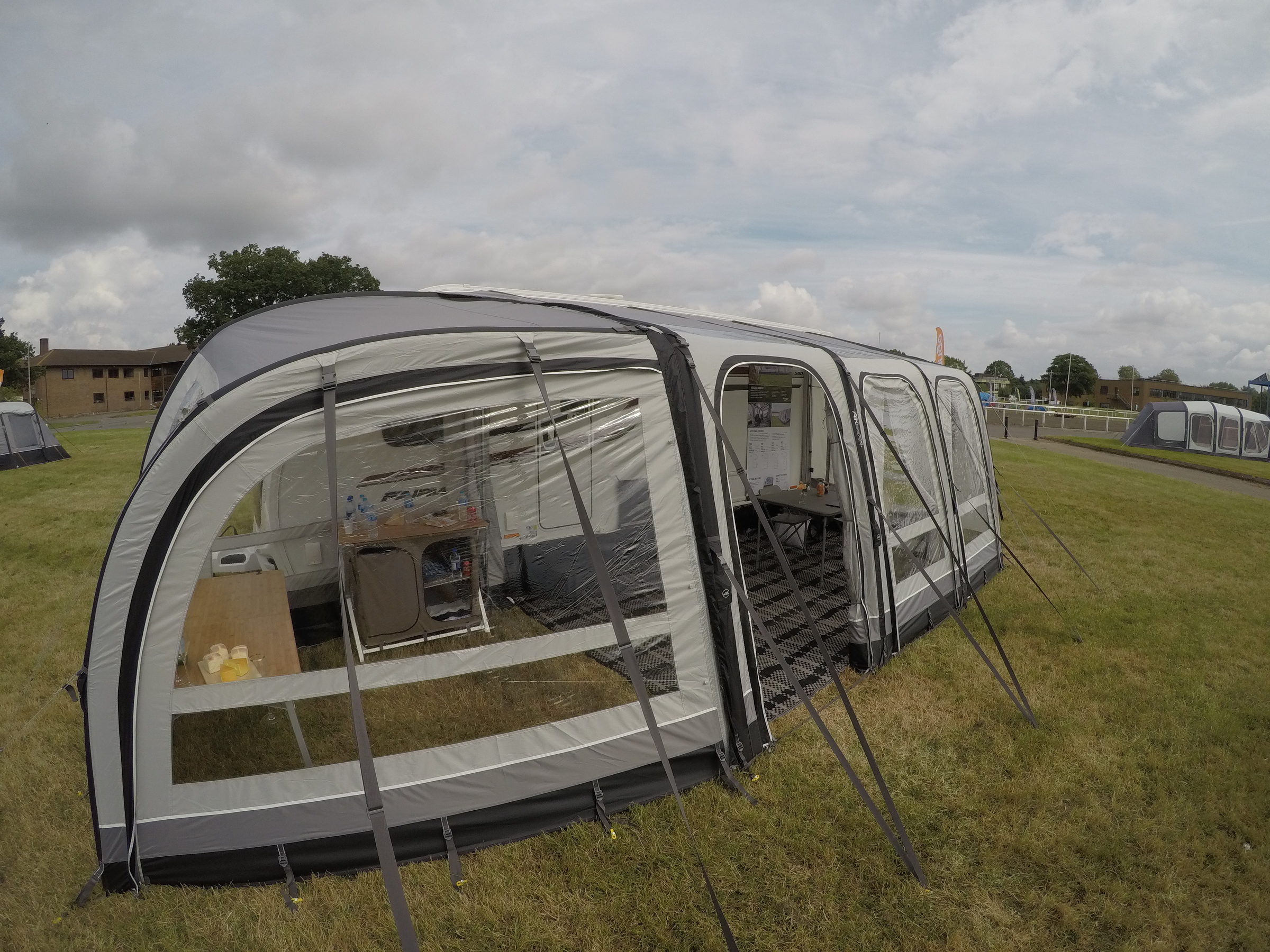 Vango Varkala Connect 420 Caravan Awning 201815