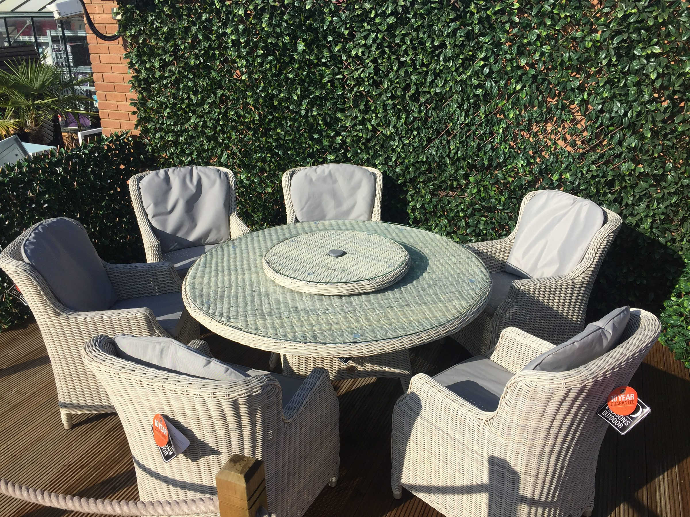Taste by 4 Seasons Brighton 6 seater set with lazy susan