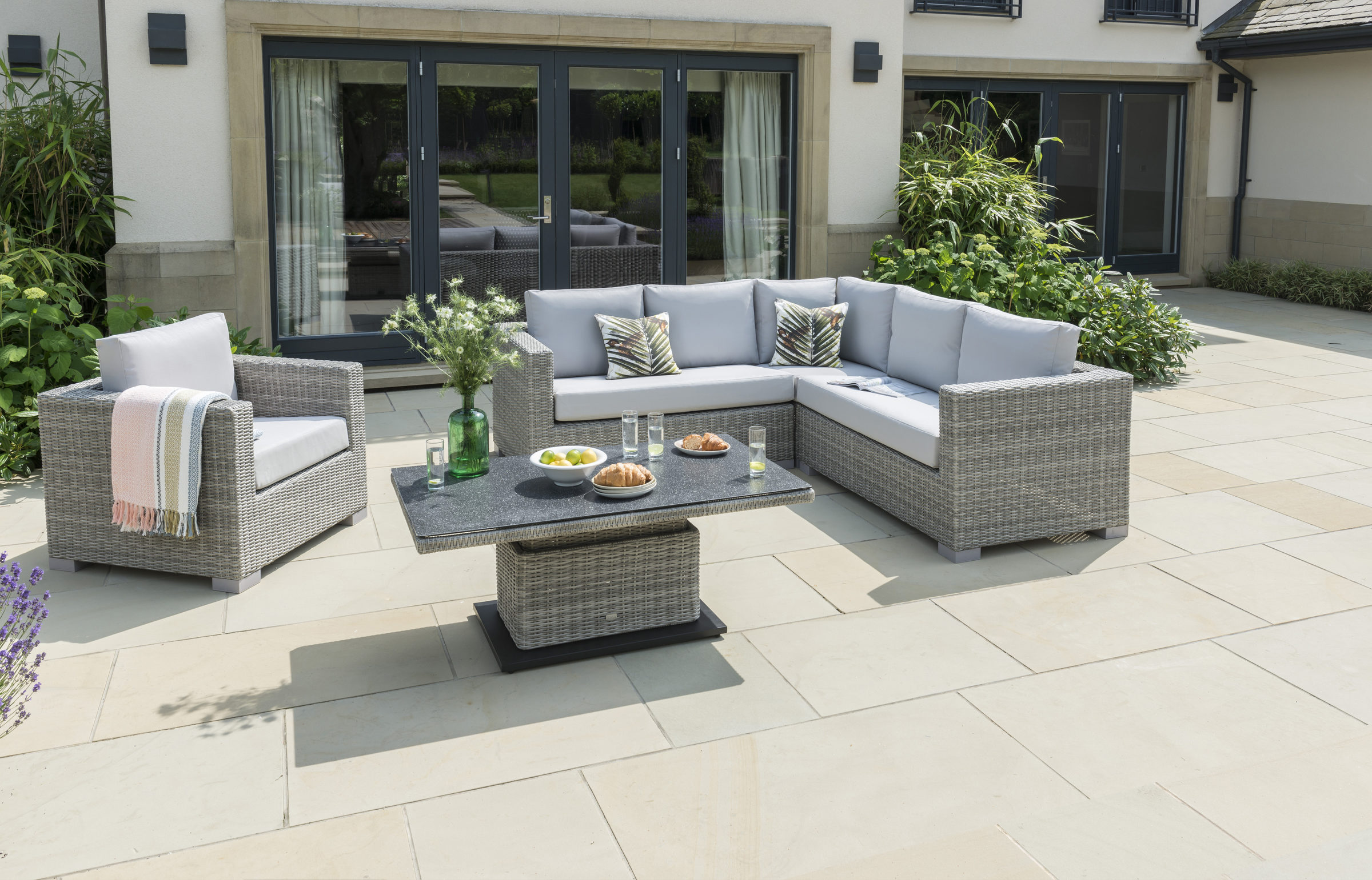 Life Outdoor Living Aya Square Lounge Set