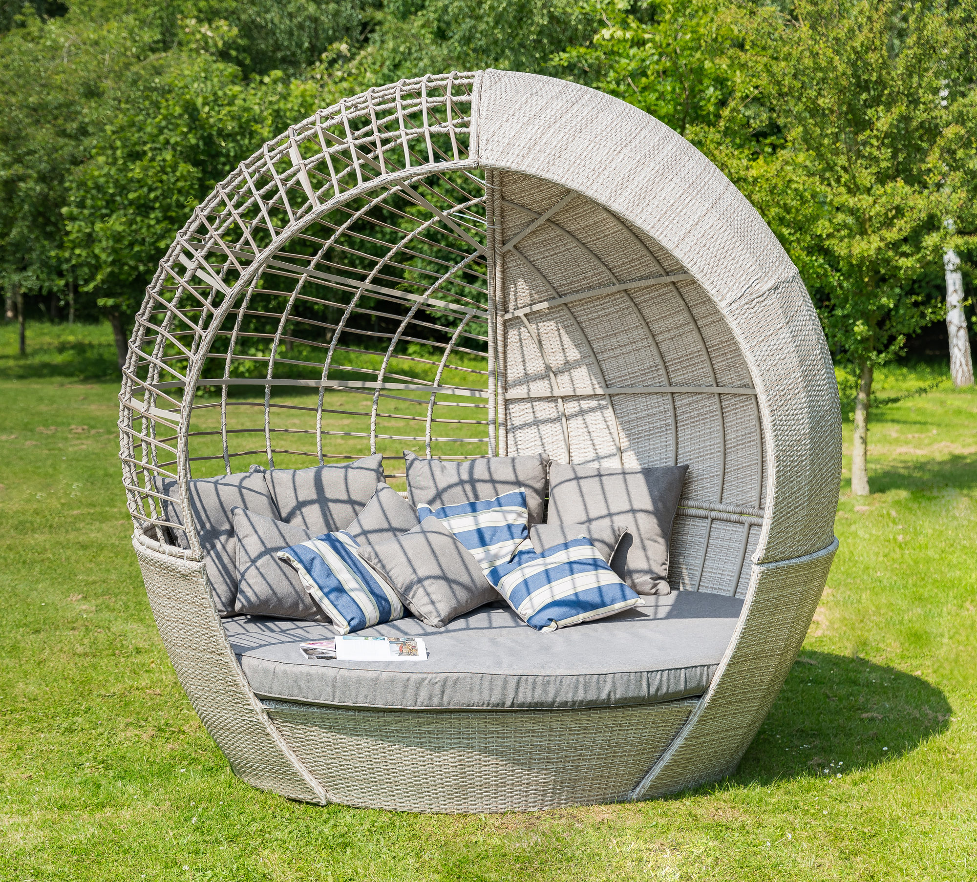 Leisuregrow Monaco Collection Daybed
