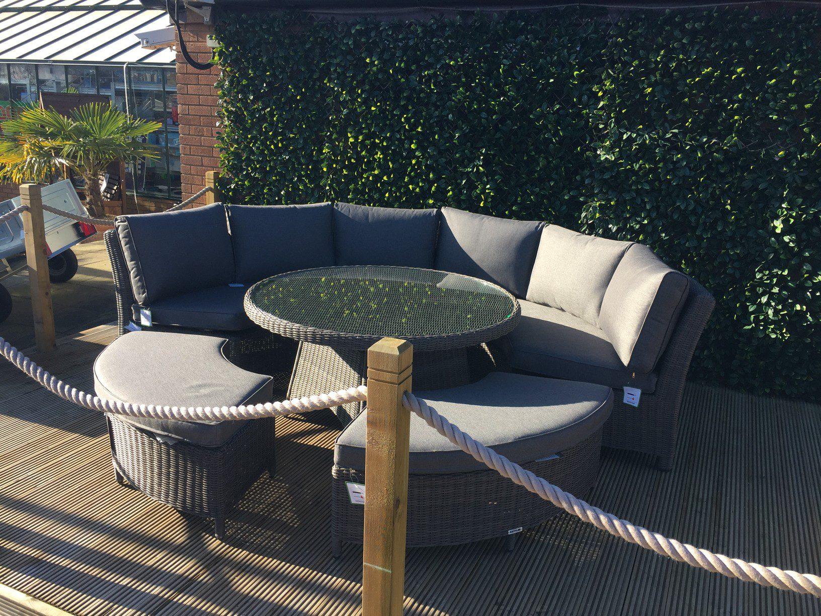 Kettler Palma Round Set In Rattan Garden Furniture