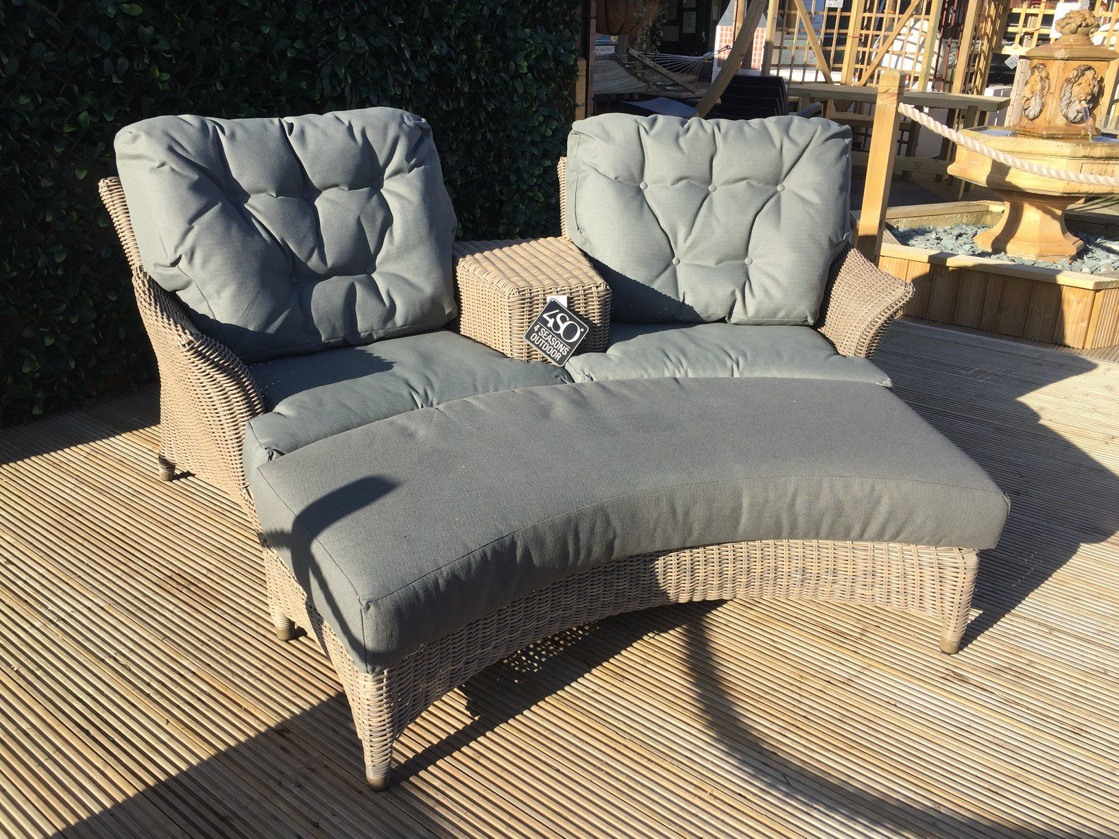 4 Seasons Outdoor Valentine Love Seat With Footrest 1