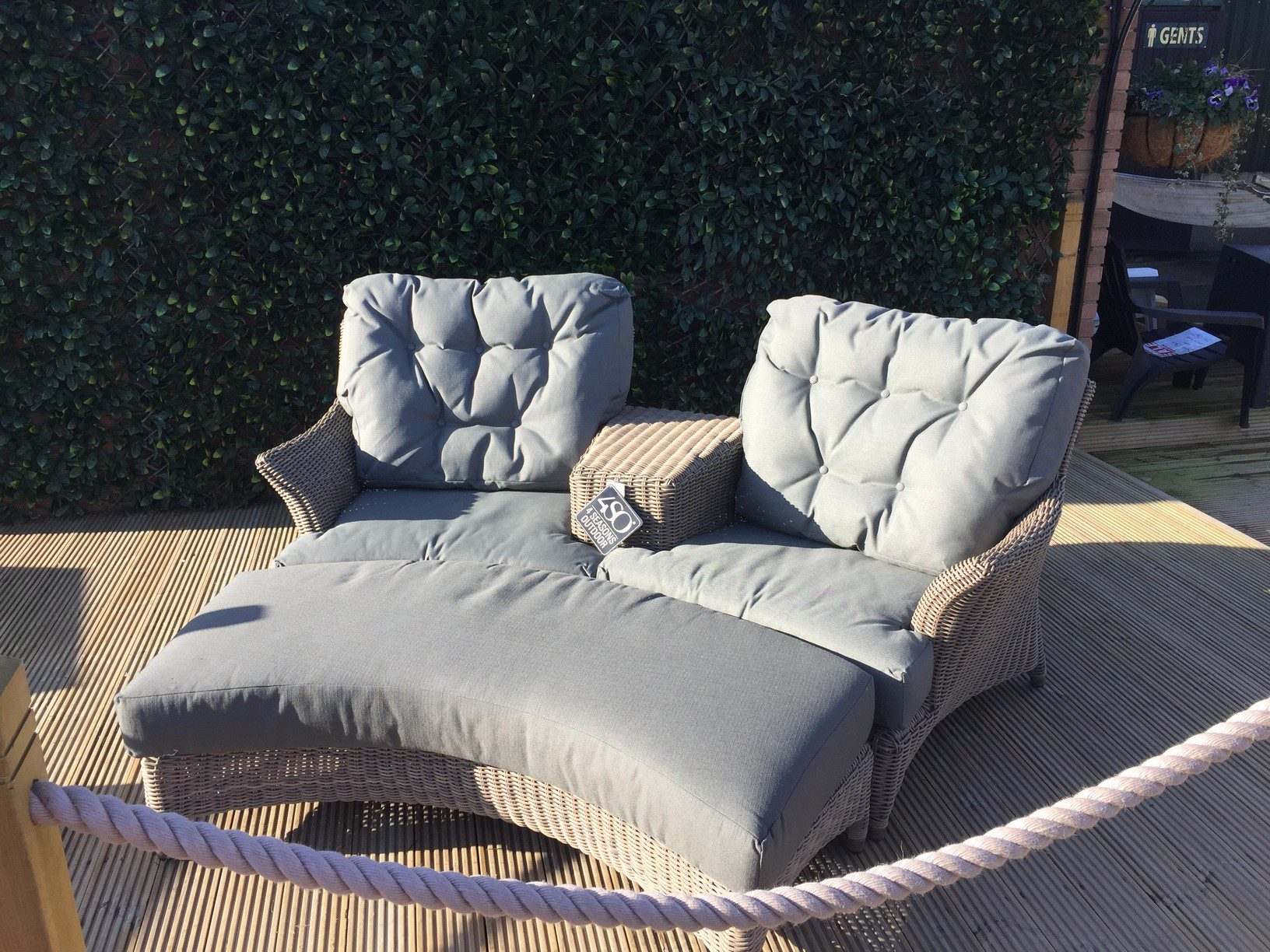 4 Seasons Outdoor Valentine Love Seat With Footrest 3