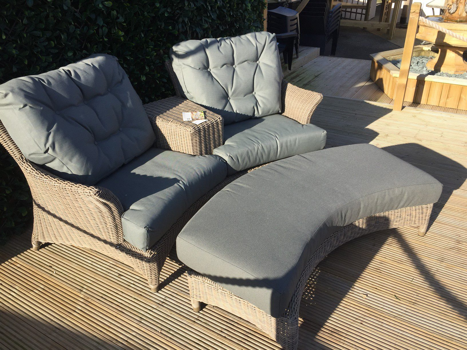 4 Seasons Outdoor Valentine Love Seat With Footrest 8