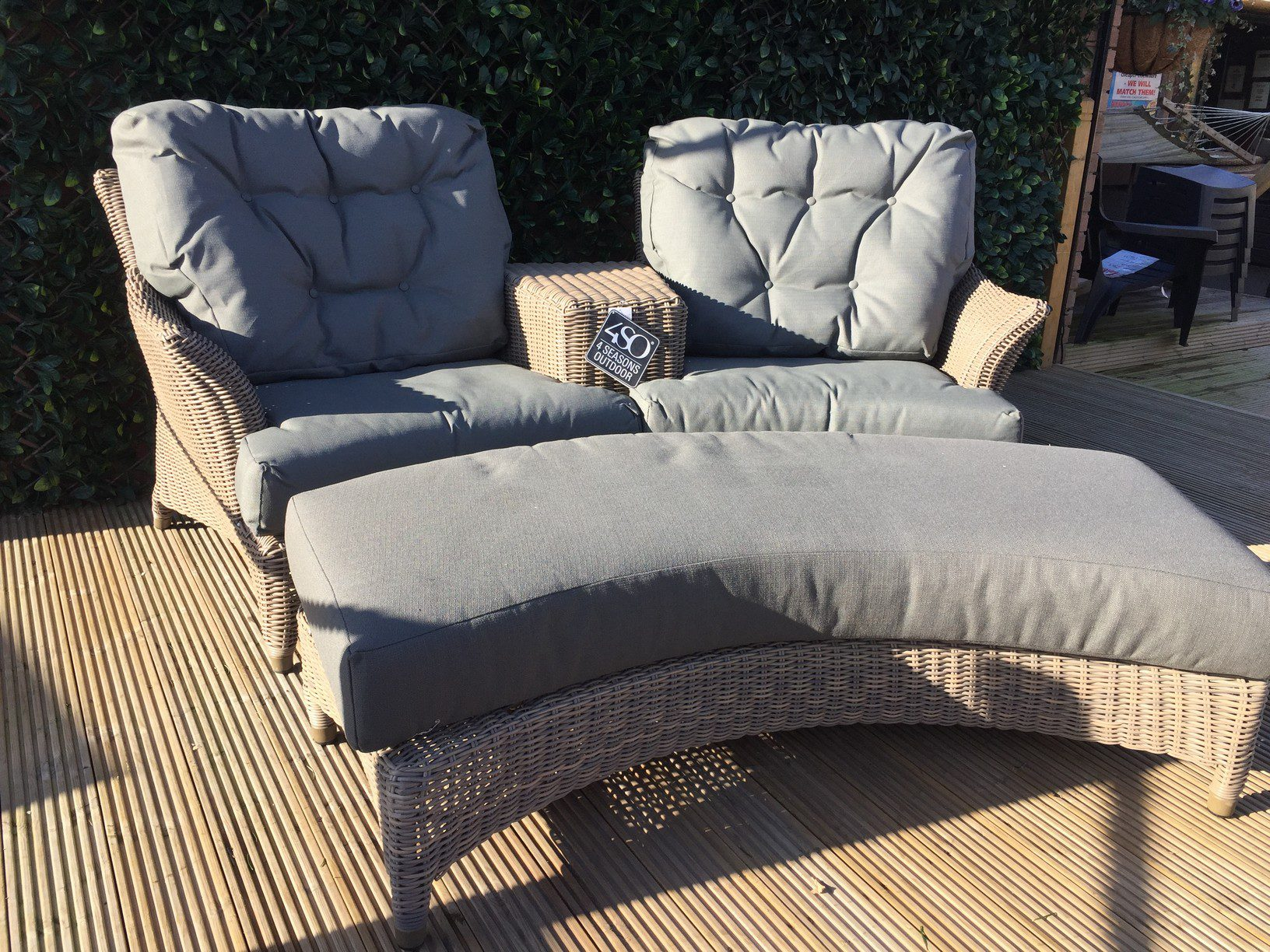 4 Seasons Outdoor Valentine Love Seat With Footrest 12