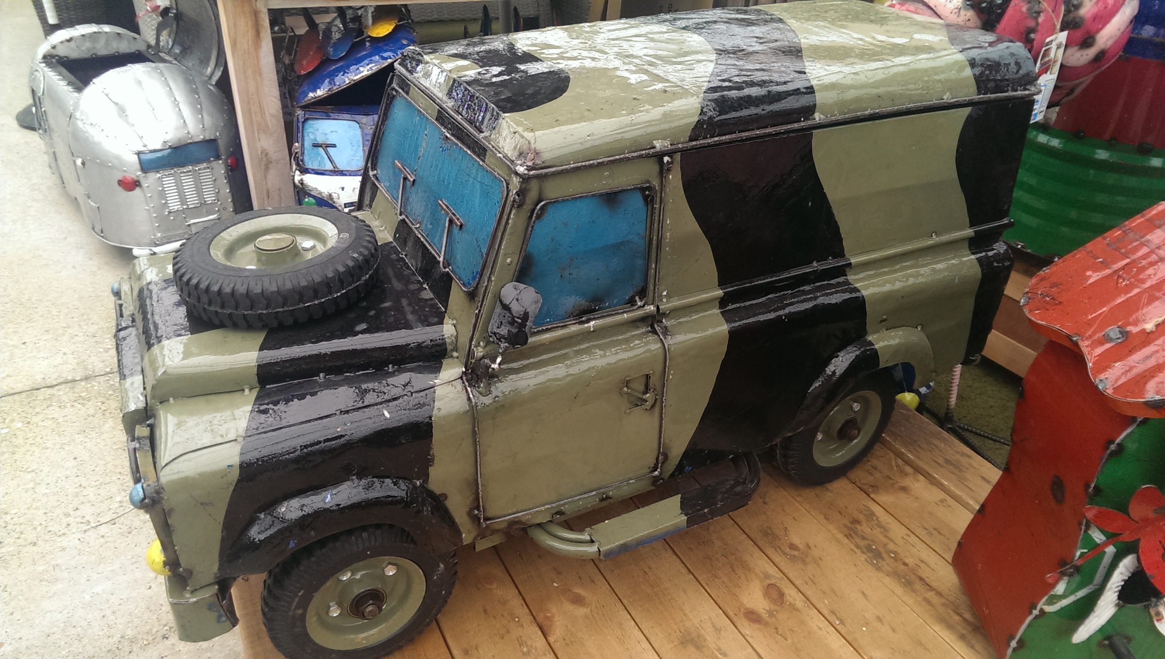 Land Rover Ice-Box - Army