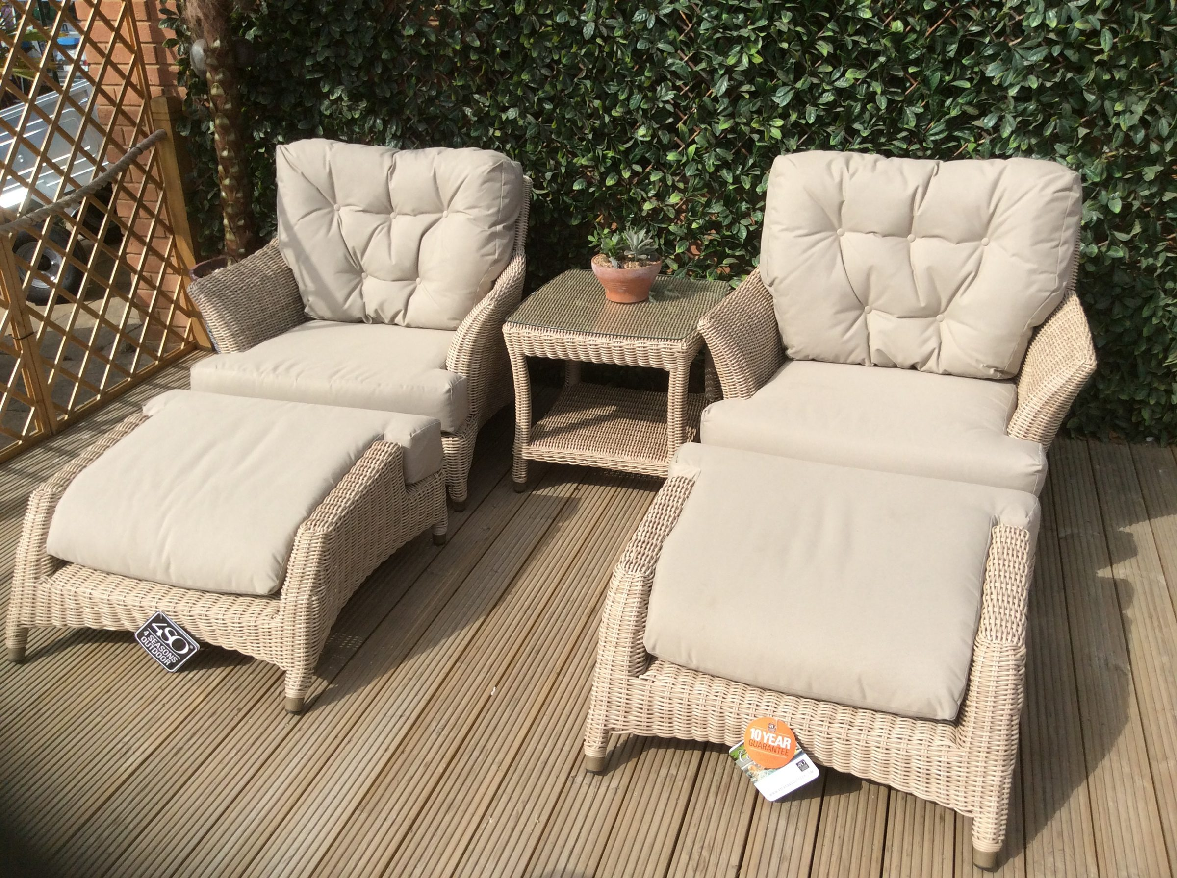 4 Seasons Outdoor Valentine Relaxing Set