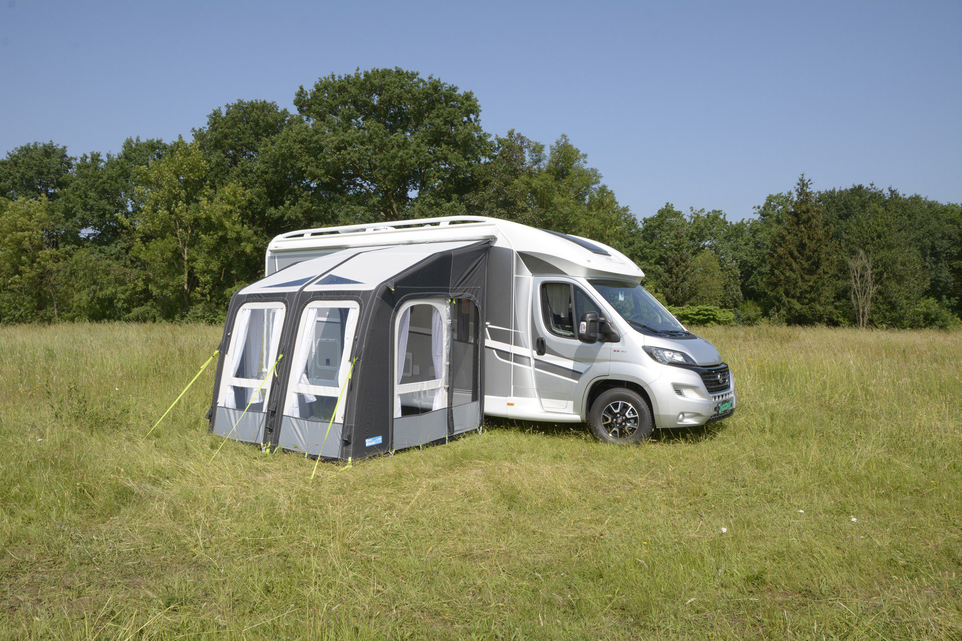 Kampa Motor Rally Air Pro 260 Motor Home Awning 2019 1