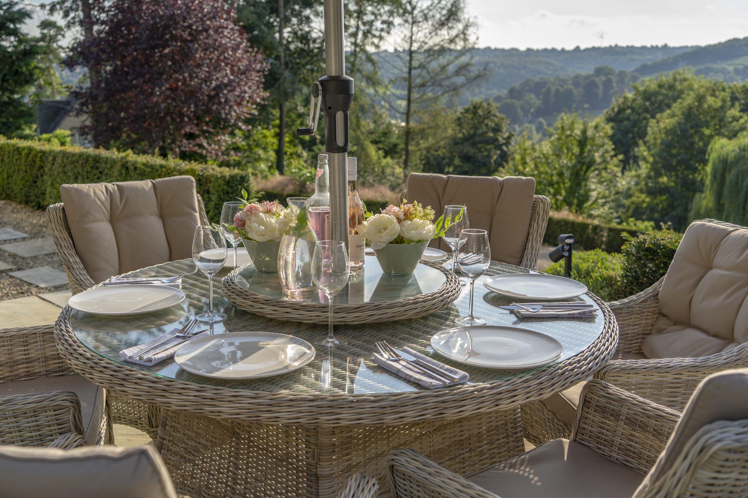 bramblecrest ascot 6 seat round table dining set 2019. Black Bedroom Furniture Sets. Home Design Ideas
