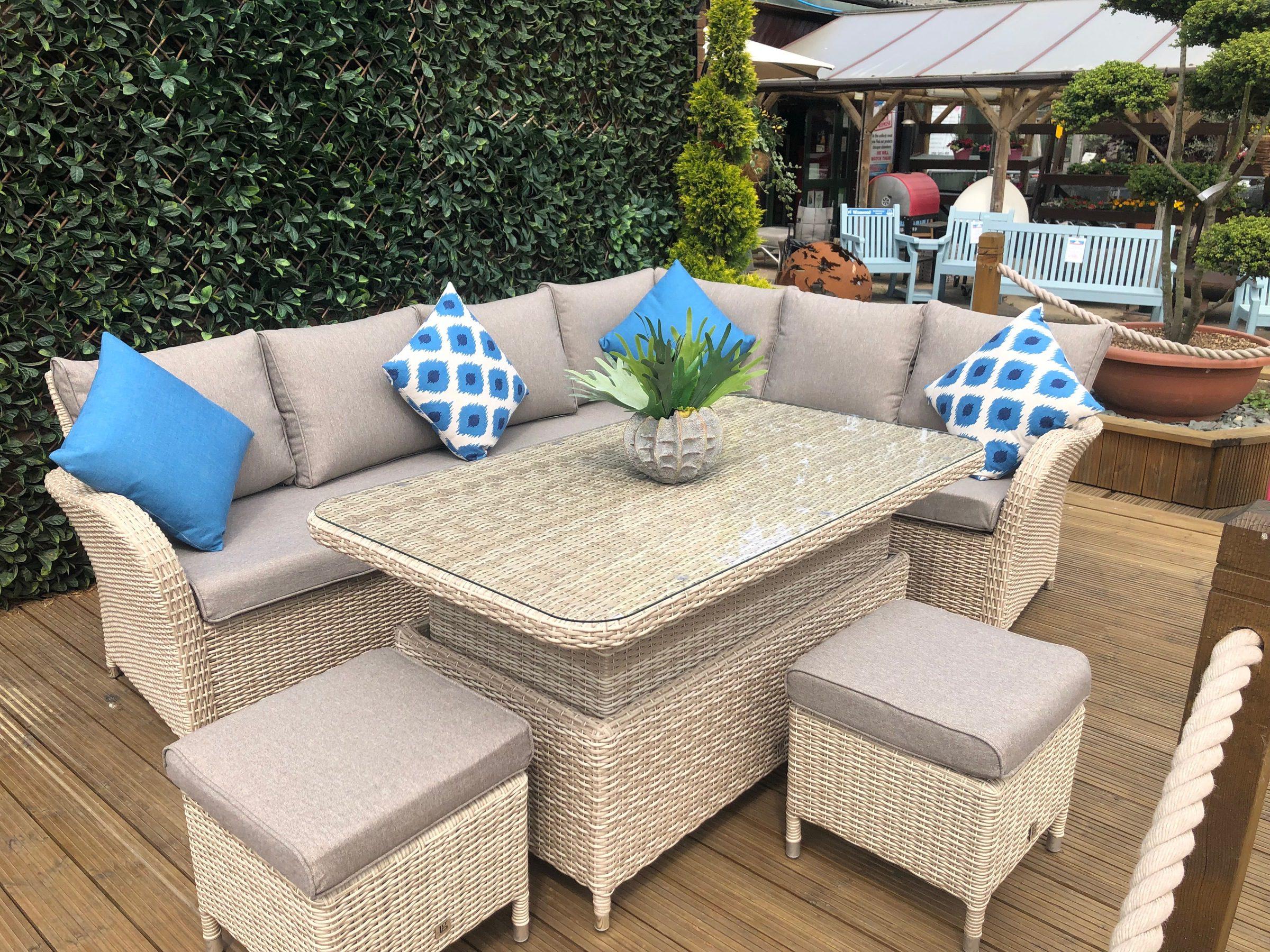 LeisureGrow Monaco Rectangular Dining Set with Adjustable Table