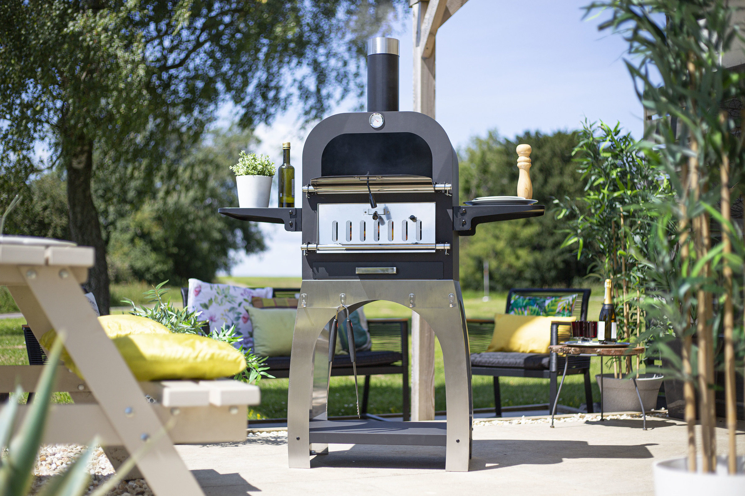 56358 Salona Multi Function Pizza Oven Lifestyle 1