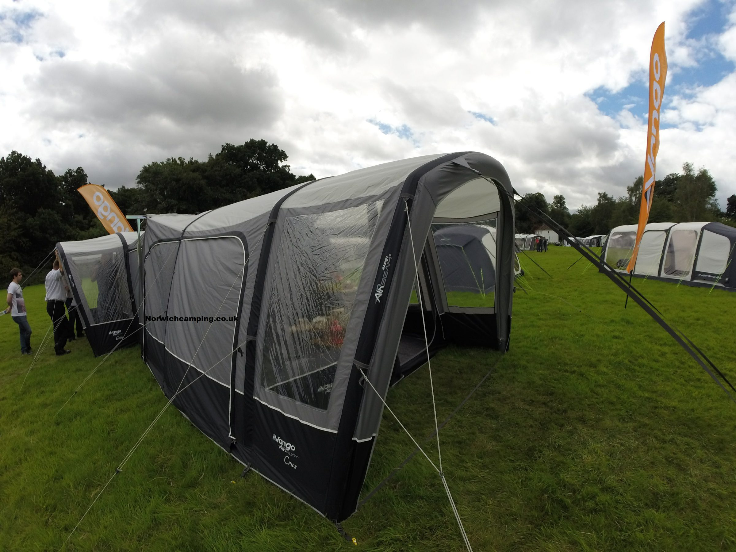 Vango Cruz Drive away awning 2017 (2).JPG