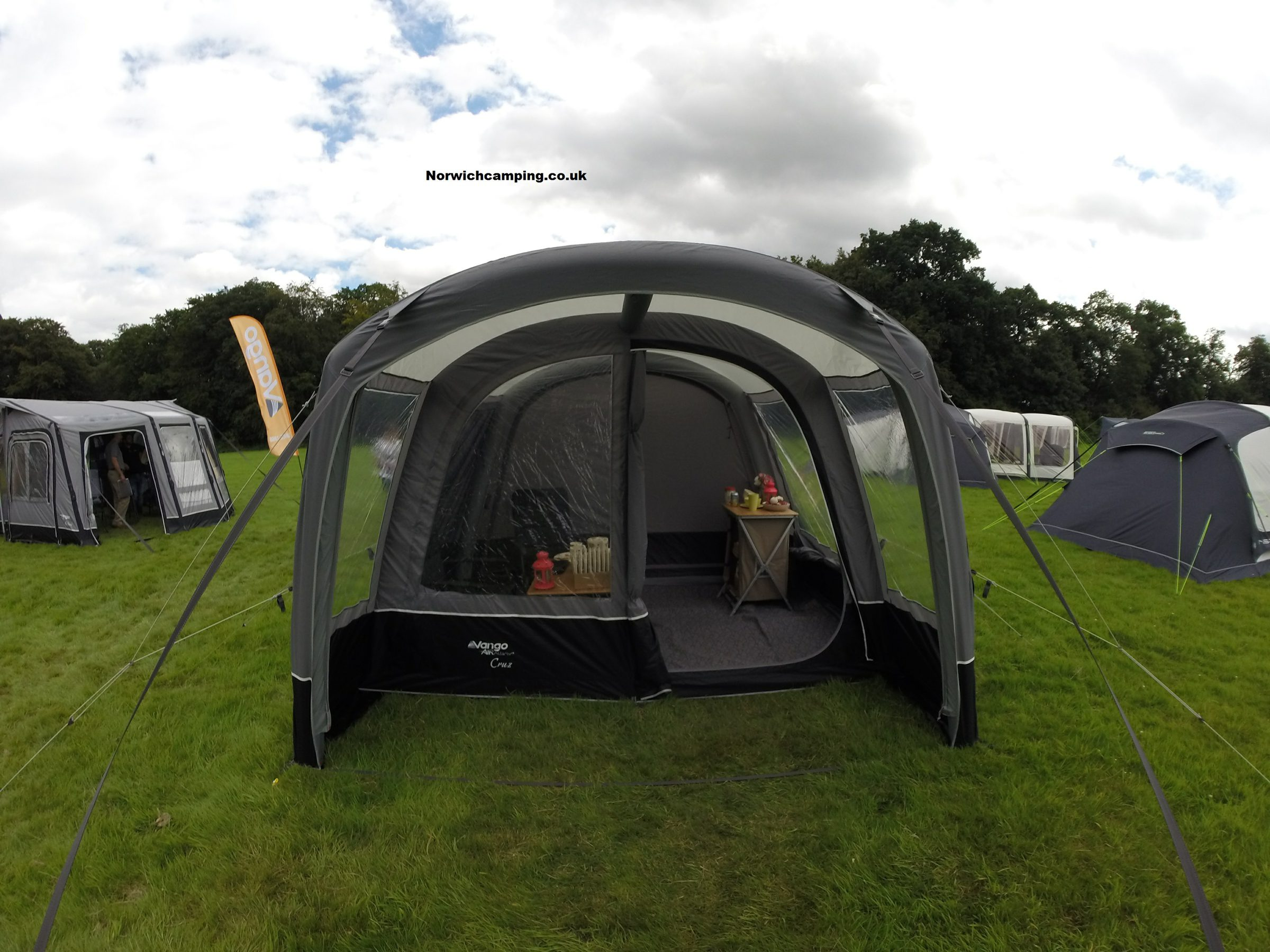 Vango Cruz Drive away awning 2017 (5).JPG