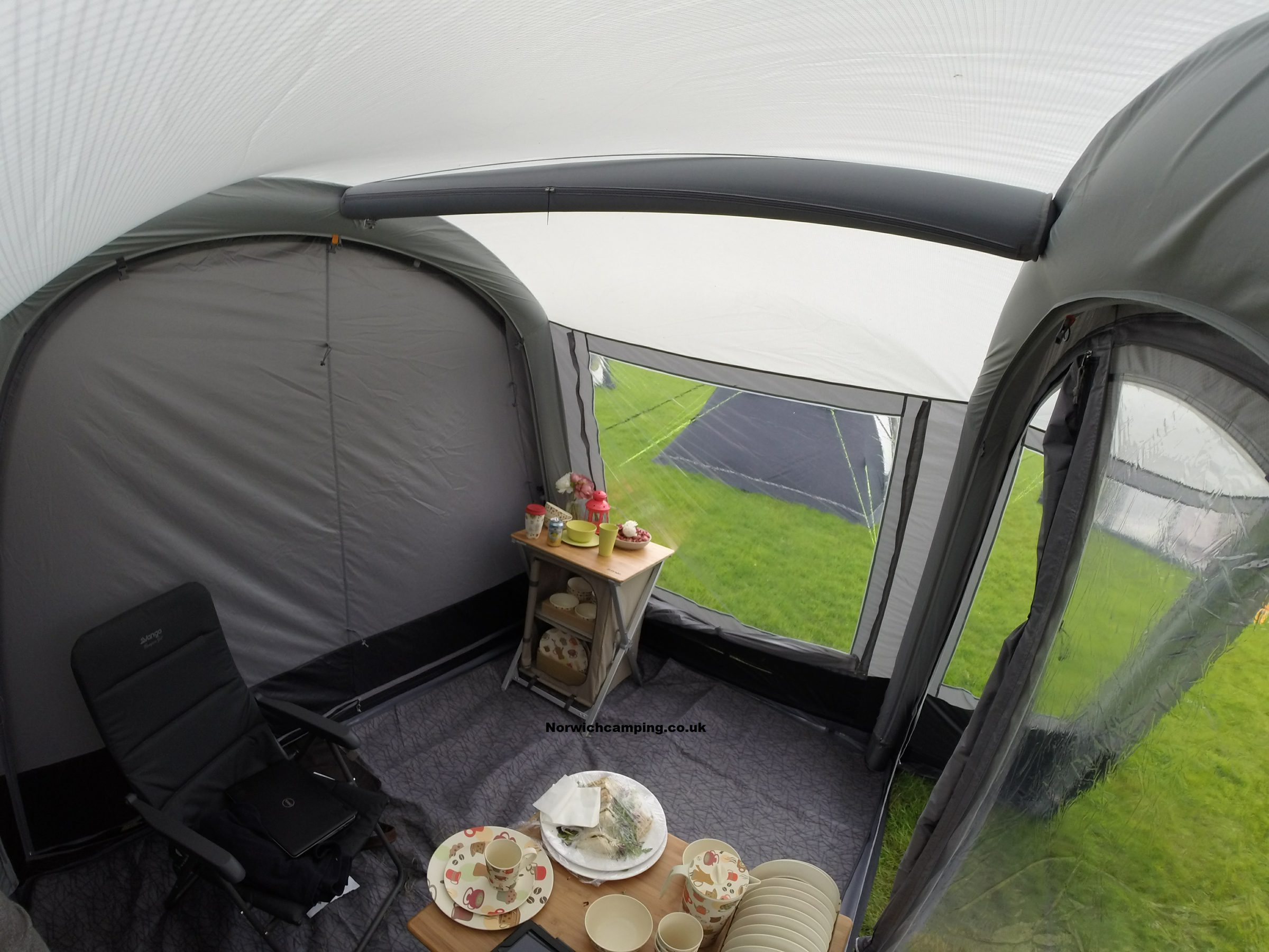 Vango Cruz Drive away awning 2017 (9).JPG