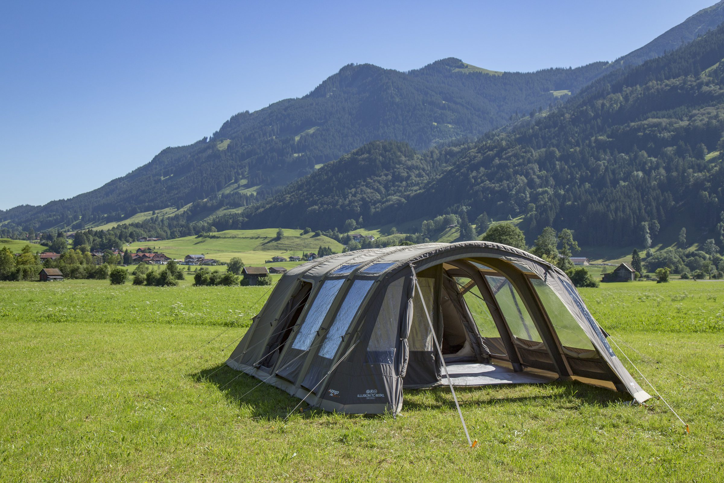 vango-2017-lifestyle-airbeam-illusionTC-800xl-0610-HI