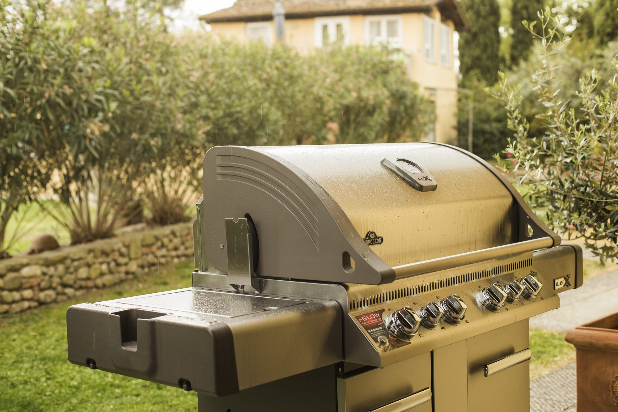 Napoleon Holzkohlegrill Charcoal Pro 605 : Napoleon lex bbq gas bbq norwich camping
