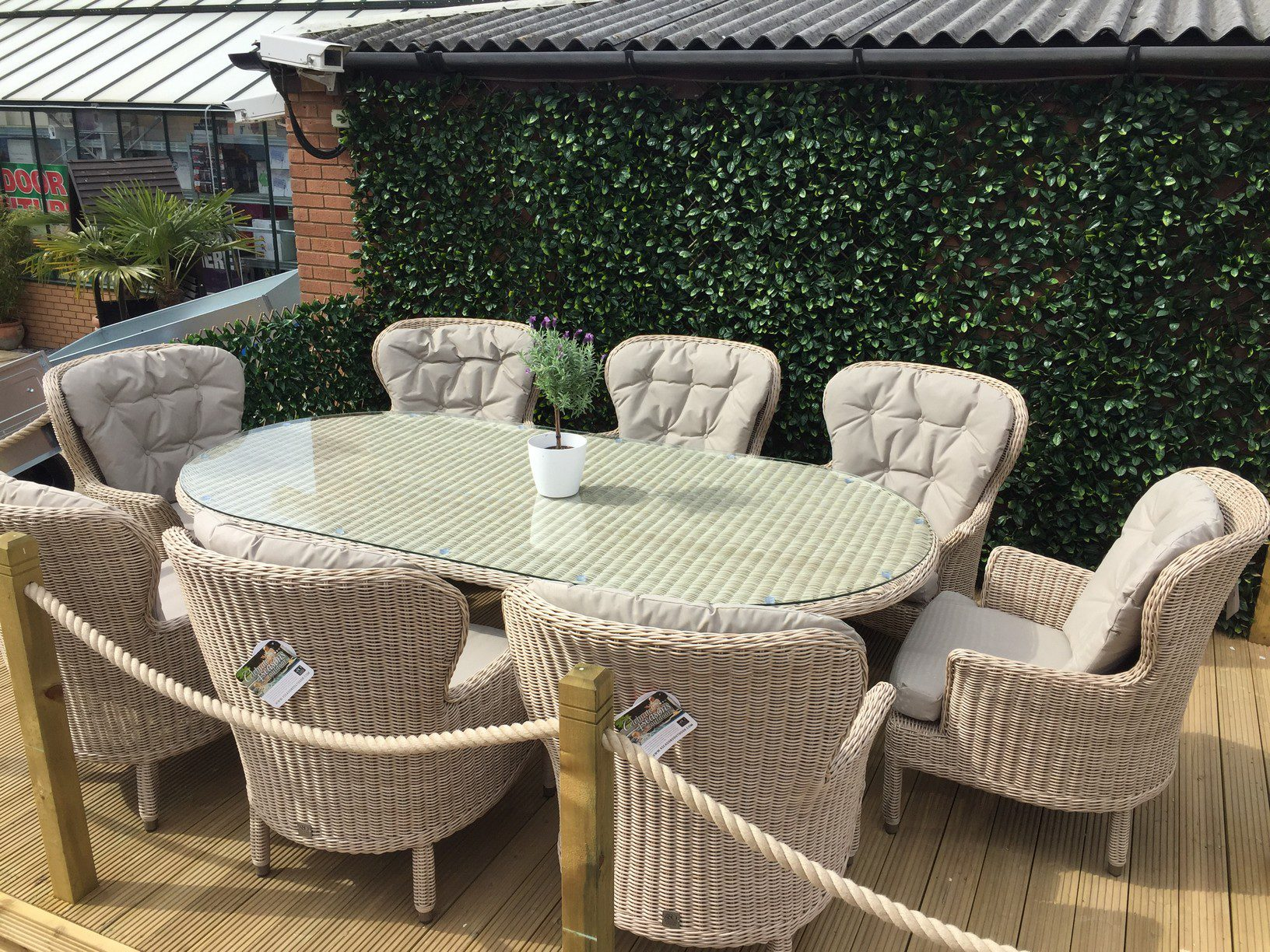 4 Seasons Outdoor Buckingham 8 Seat Oval Set Praia Weave 10
